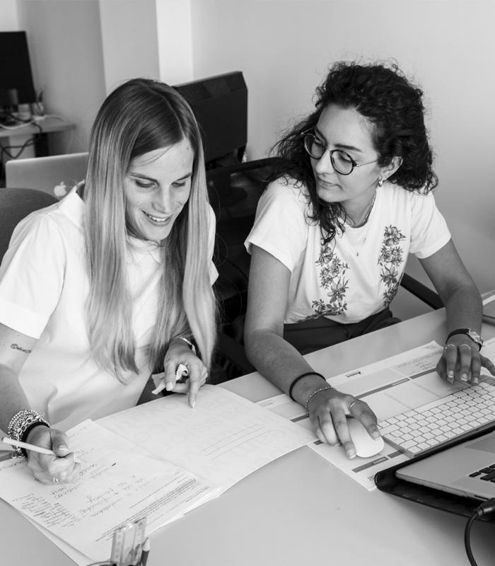 Asia e Alessandra in riunione - Promos Web 22